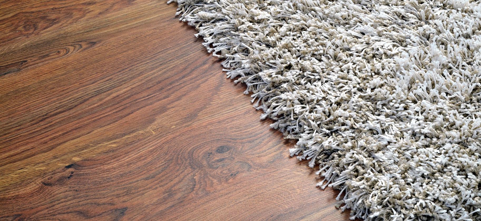 Weicher Teppich auf Boden